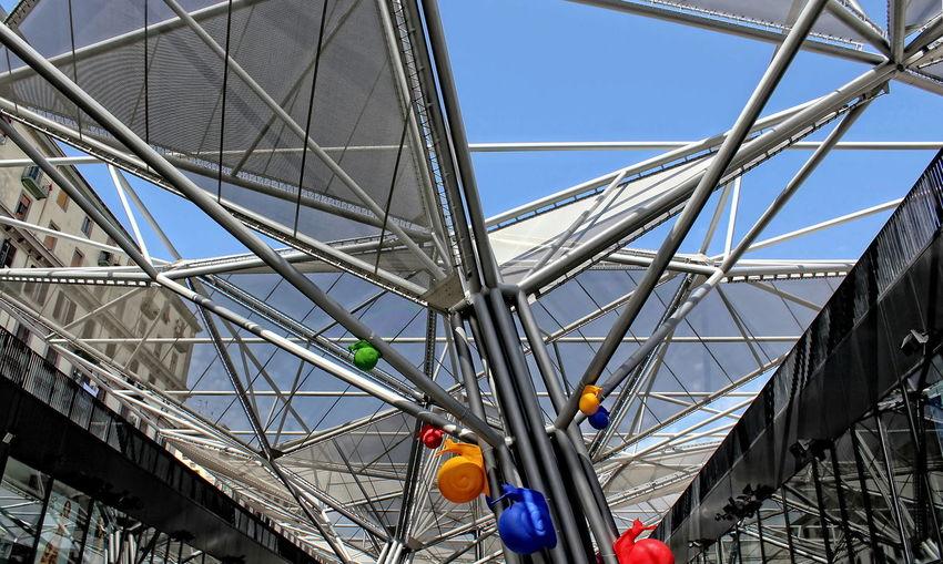 Built Structure City Clear Sky Elementi Architettonici Lumache Metropolitana Di Napoli Napoli No People Outdoors Riflessi Sky Stazione Centrale Di Napoli Vetrate