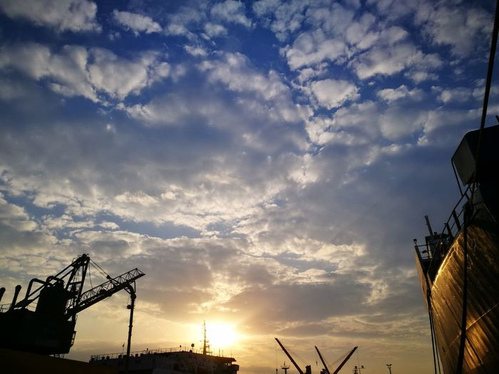 Cloud - Sky Silhouette No People City Outdoors Nature Sky Cloudscape Sunset First Eyeem Photo Urban Skyline Telescope Cityscape Refreshment Hello World