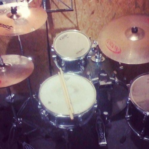 Estudar,estudar e estudar!!! Drums BaterasBeat