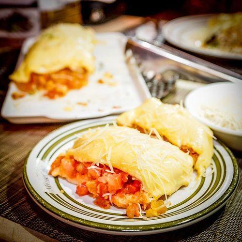 Essa noite, comi inteiraaaa a Bruschetta de Pepperoni 😆😃✌👍 Bruschetta Bruschettadepeperoni Tomatoes Tomates cheese queijo gordices bomdemais foodporn instafood oishii gourmet foodies yummyyummyinmytummy delish , delicious fotografiadecomida foodpic moussecake moussecakeriopreto