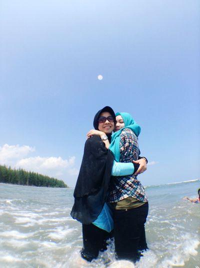 RePicture Motherhood Love Family Captured Moment Bengkulu Explorebengkulu Visitindonesia Beach Nature