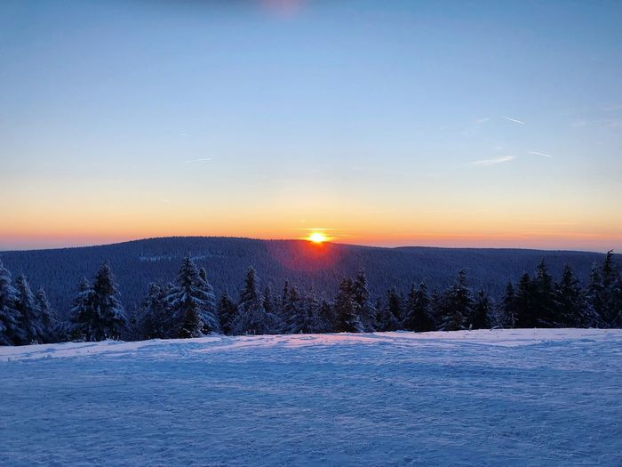 Sunset Lover   Oliver Hlavaty Photographie • © 2015-18 Oliverhlavatyphotographie Oliverhlavaty Erfurt Sonnenuntergang Sunsetlover Sunset Winter Wintertime Suhl Thuringia Thuringen Rennsteig Oberhof Schmücke Beauty In Nature Sunset Nature Winter Snow Scenics Cold Temperature No People Tranquility Sky Sun Landscape Outdoors Tranquil Scene Day EyeEmNewHere