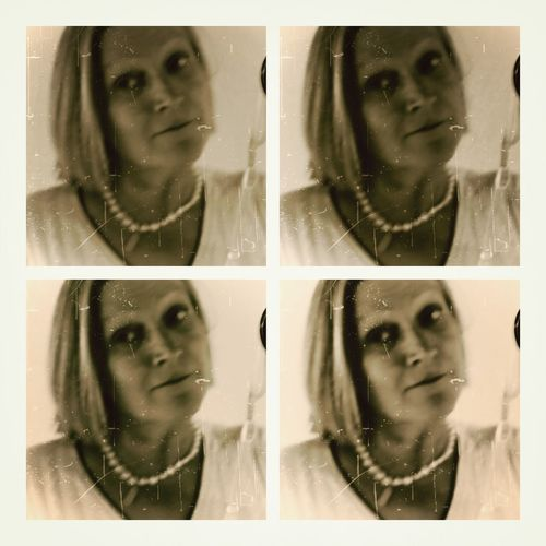 Selfie Bnw_selfie