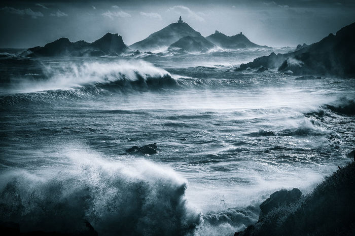 Beauty In Nature Scenics - Nature Sea Water Nature Wave Sky Rock Winter Vagues Roches Vent Paysages Tempête Sanguinaires Iles Sanguinaires Vent Corse Corsica ❤️ Parata Ajaccio