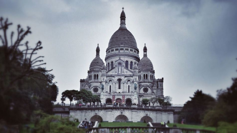 Sacre Coeur, Montmartre. By JWS FreeLance Photography. France Paris Montmartre Travel Photography Architecture Church Bassilica