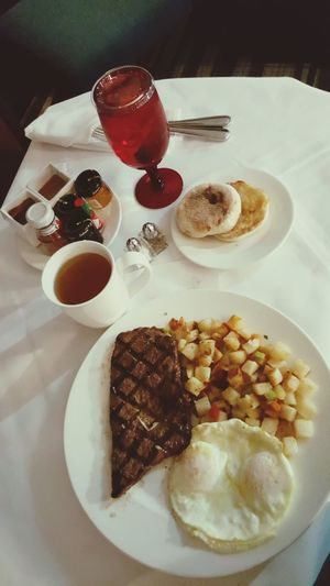 Tulalip Resort Casino Room Service Comfort Food High Angle View Ready-to-eat Foodblogger Breakfastofchampions Breakfast Breakfast Time Breakfast In Bed Breakfasting Roomservice Food Drink Table Freshness No People SteakAndEggs Steaks Eggsovermedium EnglishMuffin Plated Food Visual Feast