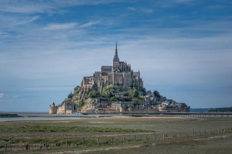 Mont saint-michel abbey against sky