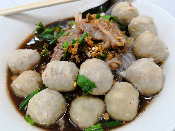 Dumpling  Steamed  Plate Chinese Food Appetizer Meat Table Cooked Close-up Food And Drink Dim Sum Soup Bowl Temptation Chinese Dumpling Noodle Soup Serving Dish Vegetable Soup Chinese Takeout Dessert Chopsticks Coriander Spring Onion Ramen Noodles Spring Roll Fried Meatball Indulgence Bamboo - Material Noodles Pie