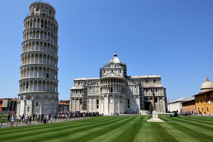 Piazza dei Miracoli Byzantine Influenze Campanile Cathedral Square Inclining Tower Leaning Tower Of Pisa Medival Art Piazza Del Duomo Pisa Tower Romanesque Architecture Style Schiefer Turm Square Of Miracle Tosacana
