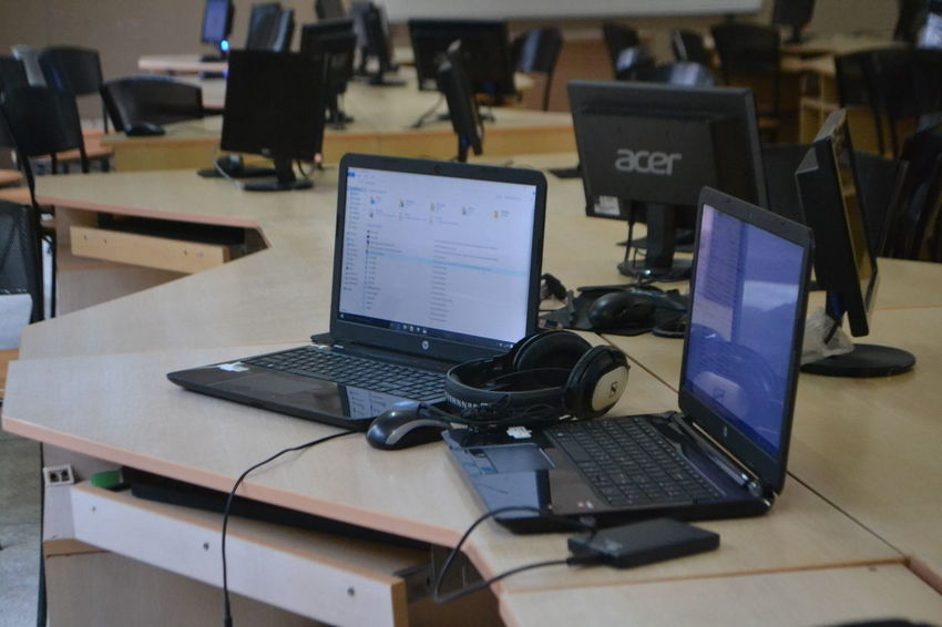 Computer Lab HP Laptop Professionalphotography Sennheiser Video Editing Western Digital Workstation First Eyeem Photo