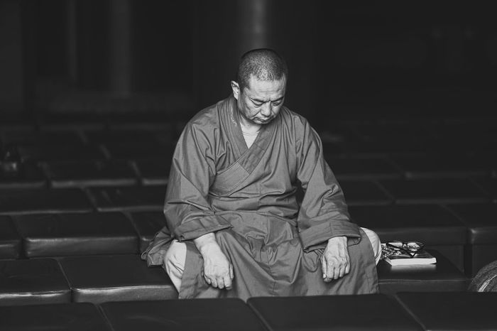 Monk This Is Aging Taking Photos Check This Out B&W Portrait Blackandwhite EyeEm Best Shots - Black + White Black & White Relaxing Eye4photography  EyeEm Best Shots EyeEm Gallery People And Places