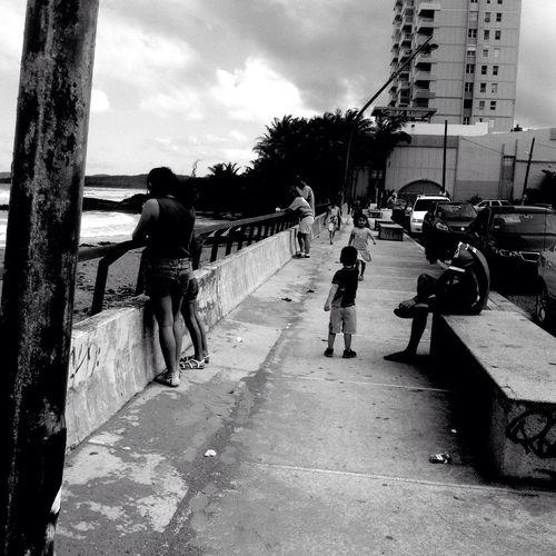 Streetphoto_bw Streetphotography Blackandwhite Walking Around Boardwalk