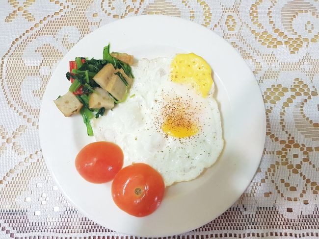 Egg Food Plate Food And Drink Breakfast Fried Egg Egg Yolk Healthy Eating Indoors  Ready-to-eat Sunny Side Up Close-up No People Freshness Toasted Bread Day Black Peppercorn