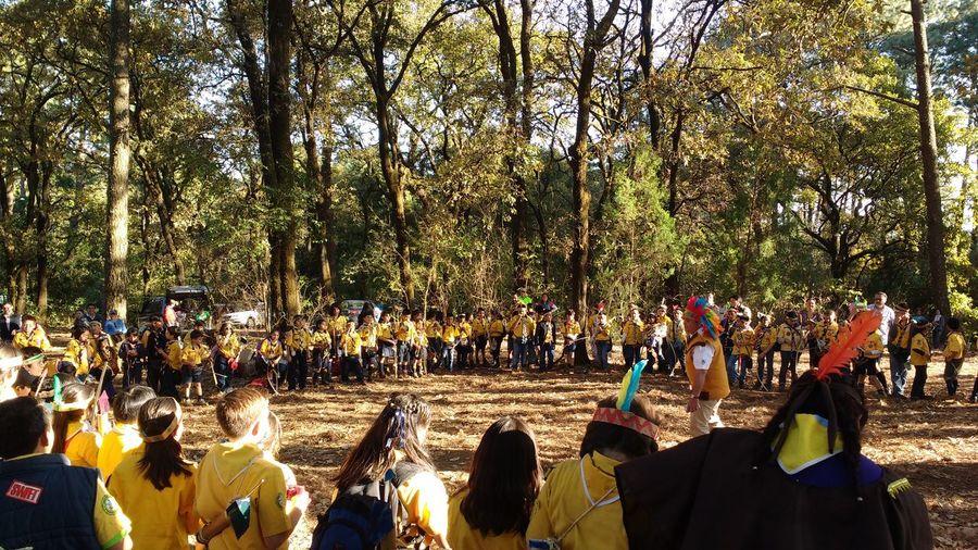 How Do We Build The World? Scouts. Dejar el mundo en mejores condiciones de como lo encontramos. BadenPowell Escultismo Manada De Lobatos