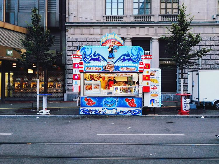 Fish And Chips... Fischchnusperli The Cooks Waiting No Guests Frontal Shot Scenery Shots Food Wagon Shark Snapshots Of Life Zürifäscht 2016 Impressions