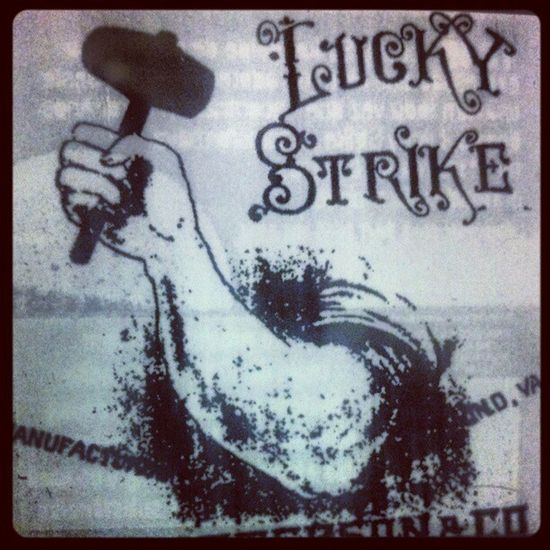 Luckystrike Cigarrete Cigarro
