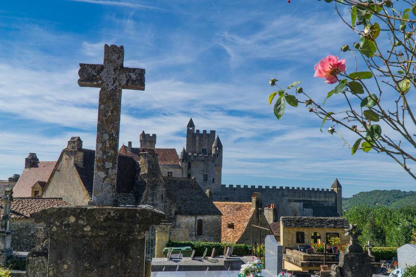 Beynac Castle, France Architecture Beynac Castle Beynac-et-Cazenac Castle Castle View  Cloud - Sky Cross Day No People Outdoors Rosé Sky
