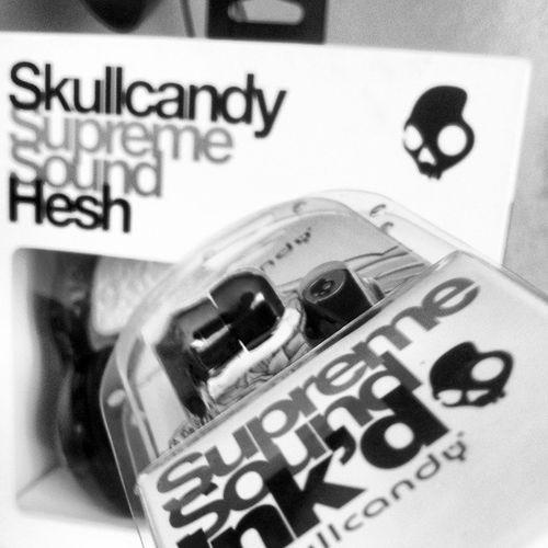 Cause I respect my ears :) Thank you @skullcandy Skullcandy SkullCandyZA SkullCandyRSA AllBlack OffBlack Hesh OnEar Inkd InEar Audio Supreme SupremeSound Skateboarding Skating Extreme