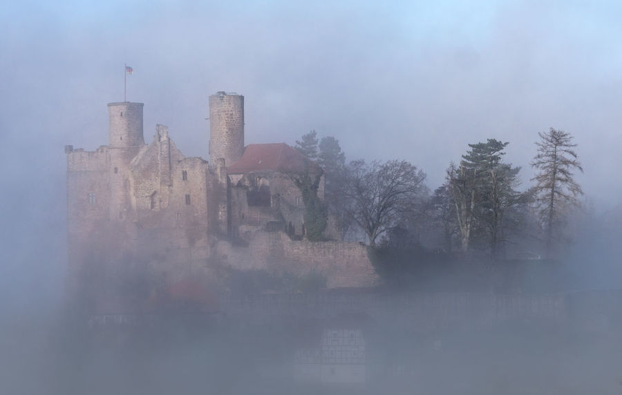 Burg Hanstein Nebel Burg Burgruine Hanstein Castle Deutschland Morning Fog... Thuringia Architecture Bare Tree Building Exterior Built Structure Burg Hanstein Castle Ruin Fog Hanstein Medieval Architecture Morning Fog Nature No People Outdoors Ruined Building Winter