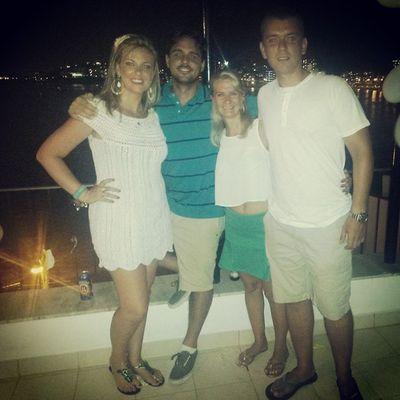 As Wenzel passando a virada juntas no Rio! ♡♥ Queboacoisa FamíliaWenzel Emuitoamor Nikity riodejaneiro brazil revéillon travel travellers