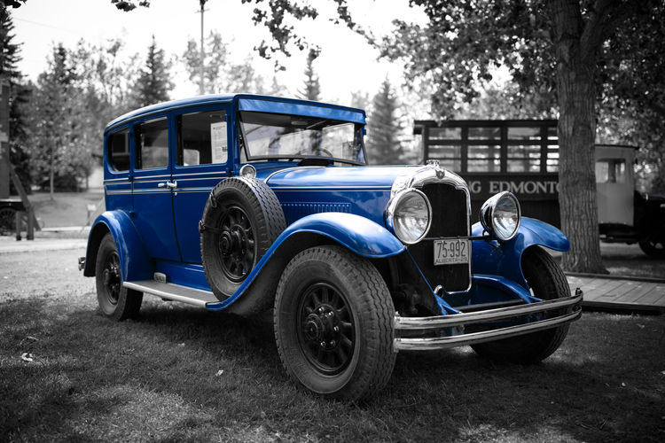 Blue Old-fashioned Retro Styled Sky Vintage Car Headlight Bumper Vehicle Light Grille Parking Vehicle Land Vehicle Collector's Car Antique Car