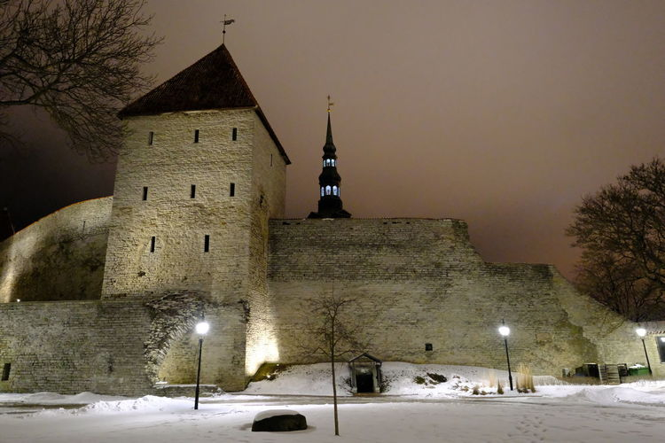 Wall - Building Feature Architecture Built Structure Building Exterior Snow Cold Temperature Tower Winter Illuminated Nightphotography Old Town Tallinn Old Town Tallinn Estonia Quiet The Past Remparts Citywalls Estonia Baltic Countries Architecture Artificial Light