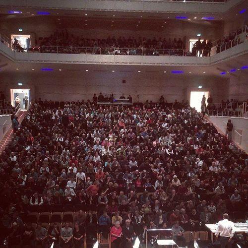 Volles Haus Konzerthaus Concert Doklassik Groophy orchester publikum