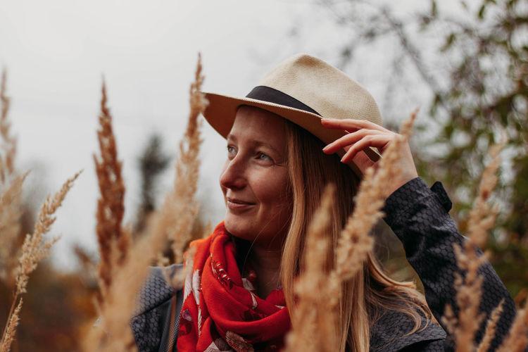Portrait of blong girl among the rye