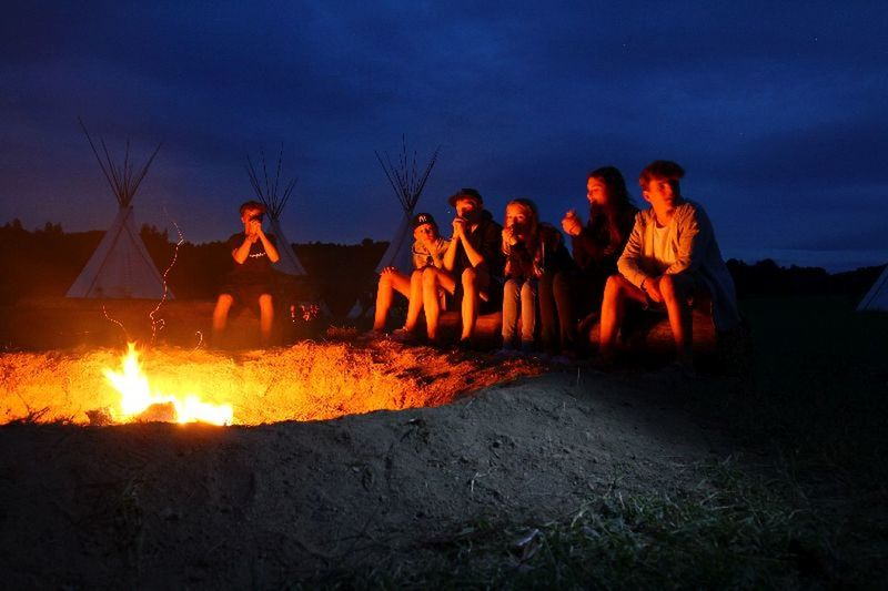 Cloud - Sky Ferien 2016 Fire Full Length Germany Hunsrück Illuminated In A Row Jesus Leisure Activity Looking Night Outdoors Person Pfalz Praiseland 😎 Remote Romantic Sky Teenager Togetherness Camp