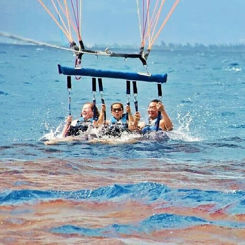 TBT  Waterdunk Parasailing Bluesky sunny bluewater 808 throwbackthursdays hawaiilife summer2012 summerneverends luckywelivehawaii
