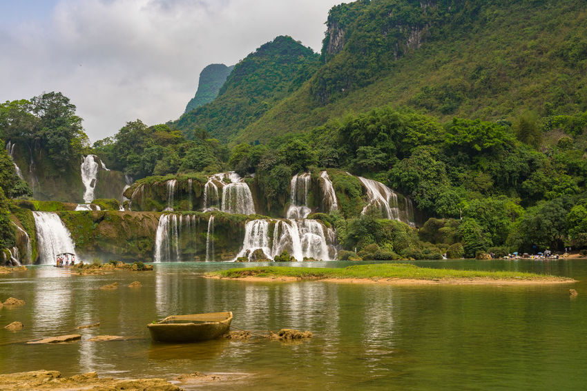 Ban Gioc Ban Gioc Waterfall Beauty In Nature Day Mountain Nature No People Outdoors Scenics Tranquil Scene Water Waterfall Waterfront