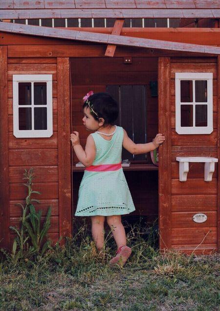 Little cousin💖 Children Photography Playhouse