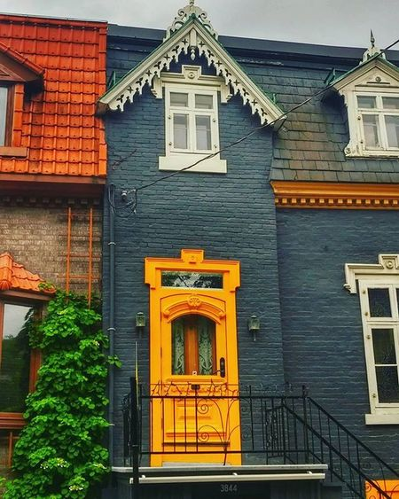 The time.. I found the house with a bright yellow door. Favoriteplace Montroyal Plateau Loneadventurer Lonetraveller Citythings Architecturalbeauty Instahappiness Instacaptured Tbs