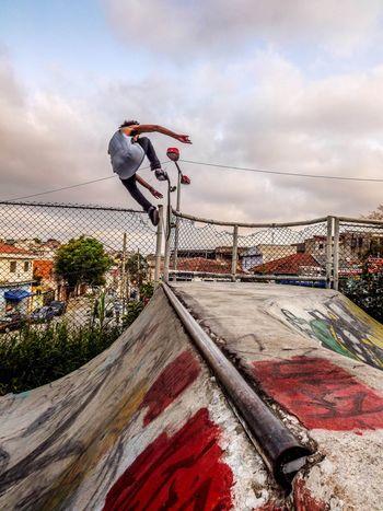 Photo: Josiel Tk. Atleta: Leonardo Coelho(Léo). Manobra: Air. Skatephotography Skateanddestroy Skateboarding Skateboard Skate Life Skate♥ Skateordie Skateboarder Skateforlife Skate
