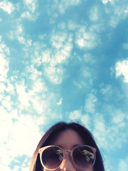 가을 Summer Saturday Good Afternoon Blue Sky Blue Sky Photography Selfie 혜화 Seoul Korea Beautiful Weather Sunglasses Pink Color Vacation 일상 IPhone 아이폰 Friend Hello 안녕 EyeEm Gallery EyeEm