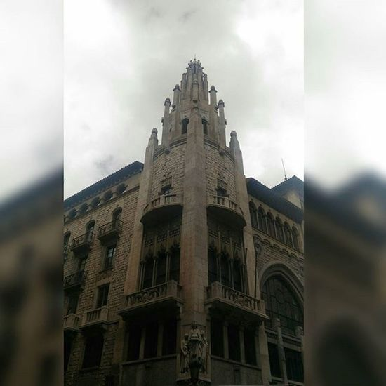 Guess what is that?...Office of La caixa bank... Pompous LaCaixa Architecture Barcelona Catalunya Bank Gangsta