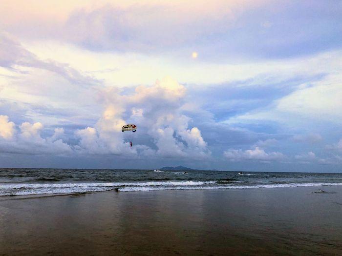 Mykhebeach Danang, Vietnam Water Sky Cloud - Sky Sea Flying Mid-air Beauty In Nature