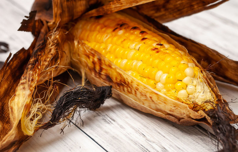 Grilled corn on