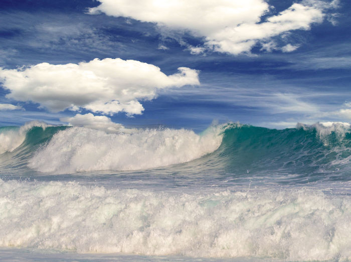Heavy surf in Mokuleia Hawaii Big Waves Hawaii Mokuleia Beach Oahu Beauty In Nature Cloud - Sky Day Horizon Over Water Nature No People Northshore Outdoors Power In Nature Scenics Sea Sky Tranquility Water Wave