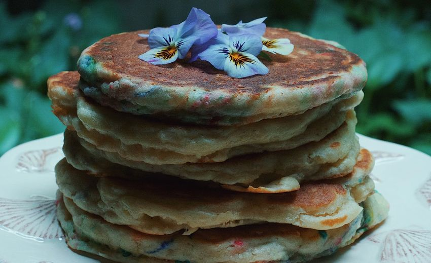 Pancakes Breakfast Food Flowers Yum Sweet Food Freshness Ready-to-eat Plate No People Stack Pancake Day Eat Delicious EyeEm Popular Photos Check This Out EyeEm Best Shots EyeEm Gallery EyeEmBestPics Photo Photography Photooftheday Unhealthy Eating