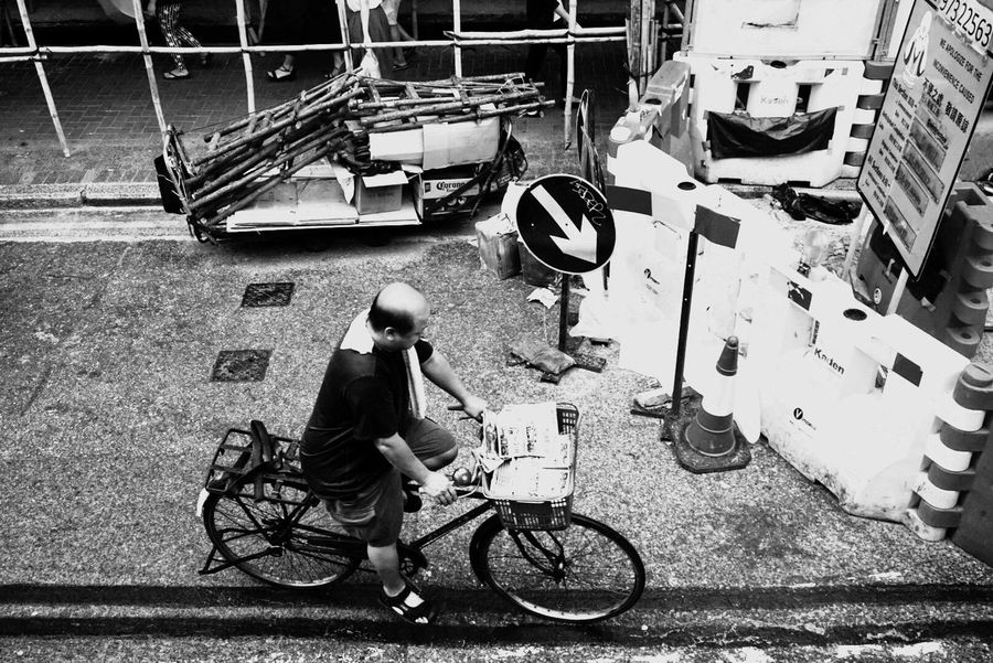 Hello World Hello Hong Kong One Person Bicycle Mode Of Transport Real People Real Life Transportation Taking Pictures Click Click 📷📷📷 Enjoying Life Eye For Details Blackandwhite Blackandwhite Photography Hello Asia Hong Kong City Streetphotography Streets Of Hong Kong Details Hello China EyeEm Selects
