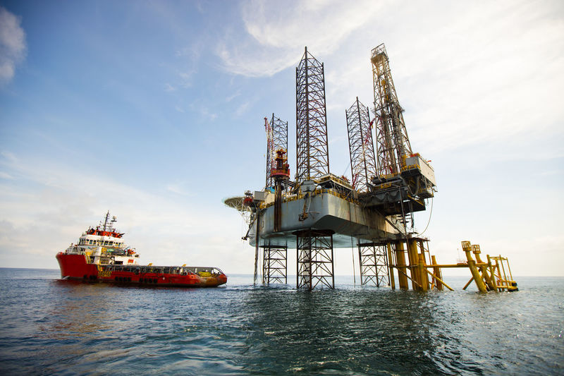 Business Business Finance And Industry Crane - Construction Machinery Crude Oil Day Drilling Platform Drilling Rig Drillingrig Exploration Exploration, Fuel And Power Generation Gas Industry Jack Up Rig No People Offshore Life Offshore Platform Offshore Vessel Oil Industry Outdoors Sea Seascape Sky Technology Water