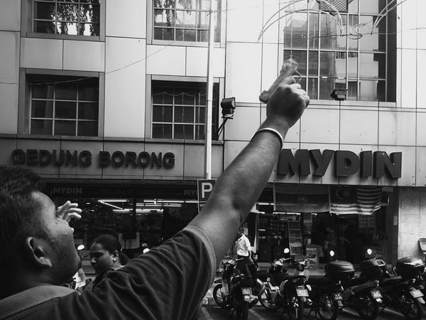 Masjid Jamek Real People One Person Adults Only People Street Portrait People Of EyeEm EyeEmMalaysia Sony Xperia Sony Xperia Photography. Streetphotography_bw Street Photography Streetphoto_bw Streetphotography Blackandwhite XPERIA Mobile Editing Mobilephotography Guns