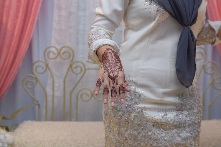 hand Inai Human Body Part Fashion Standing Indoors  Human Hand