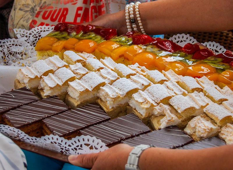 Mehlspeisen - pastries Desserts Schnitten Close-up Food And Drink Freshness Fruit Photography Holding Indoors  Lifestyles Nachspeise Ready-to-eat Schokokuchen Indulgence Foodphotography Genusserlebnis Indulgence Genuss Best Shots Hofi Crafted Beauty Food Stories