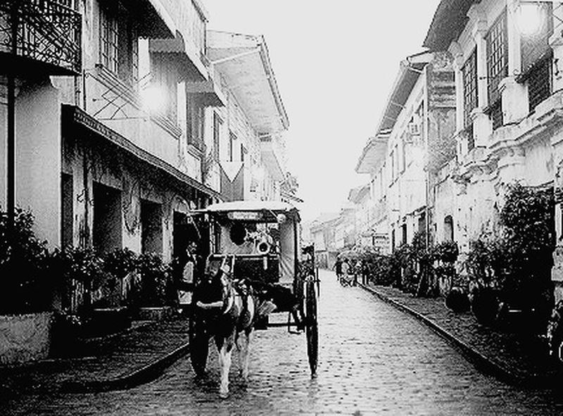 Blackandwhite Traveladventures Exploring The City Streets EyeEm Selects Street Transportation