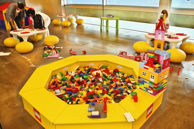North Europe Norway Airport Waiting Childhood LEGO Yellow Varykind Small :)