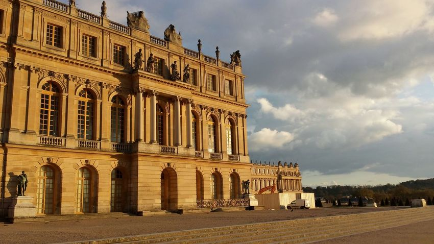 Exceptional Photographs Architecture Travel Destinations Cloud - Sky Built Structure Building Exterior History Architectural Column Façade Outdoors Sky Day Politics And Government No People France Versailles Adventures In The City Focus On The Story