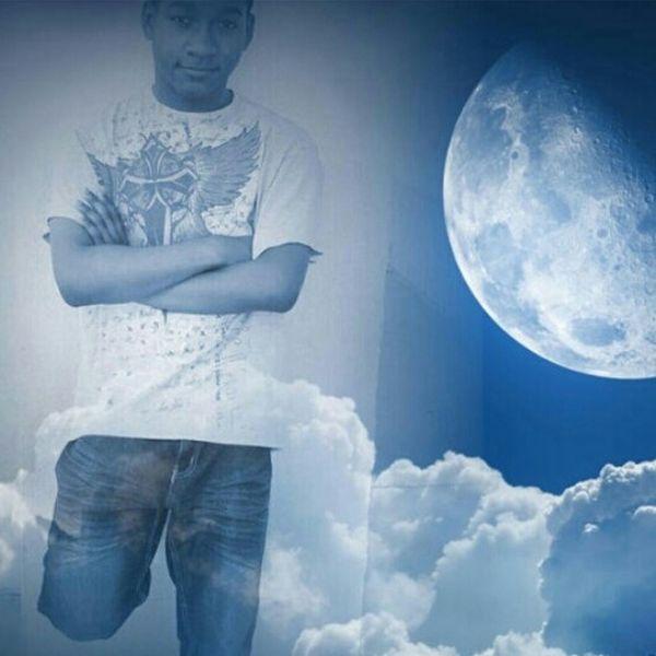 Taking Pics Goodnight Sleepy Night Time Cloud 9