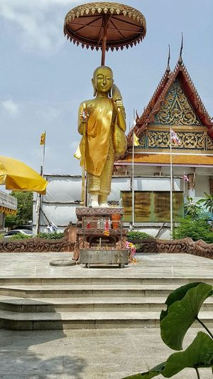 Sculpture Human Representation Creativity Built Structure Statue Religion Architecture Art And Craft Day Building Exterior Outdoors Gold Colored Buddha History Gilded Gold Cloud Sky Golden Color Art Thailand